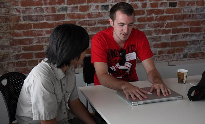 typography-topic-convo-laptop